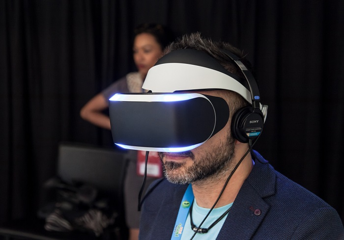 Consumers won't use virtual reality tech to shop if their Internet connection is slow.