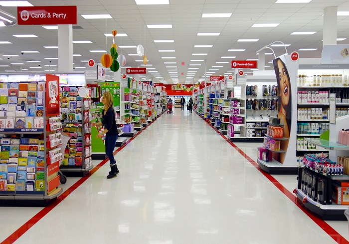 targets supply chain Supply chain and distribution center management target is one of the world's most recognized brands and one of america's top companies serving guests at nearly 1,800 stores and at targetcom.