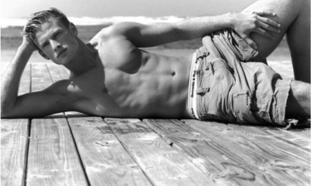 Abercrombie & Fitch has struck a wholesale deal with a German online retailer.