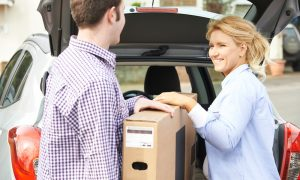 curbside pickup-omnicommerce-retail solutions