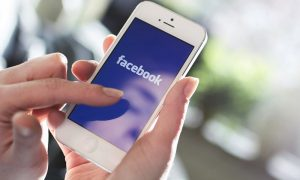 Facebook Urges Mobile