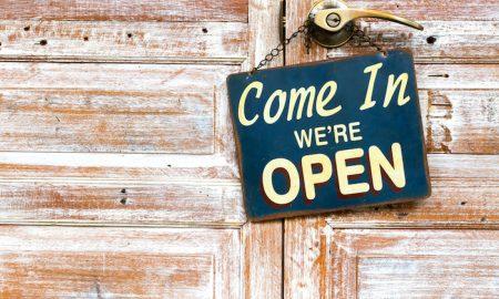 Newegg Opens Canadian B&M Store