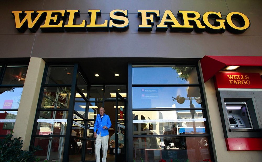 Central Bank Trust Co buys $556018 stake in Wells Fargo & Co