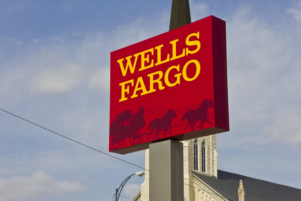 Adams Diversified Equity Fund Inc. Decreases Position in Wells Fargo & Co