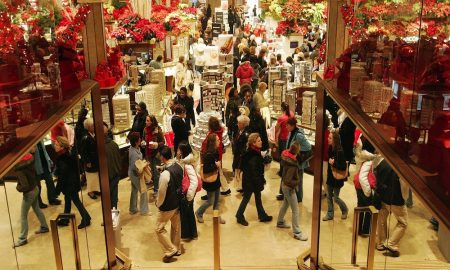 christmas-shopping-crowd