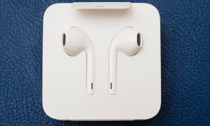 Apple Leads Bluetooth Headphone Sales