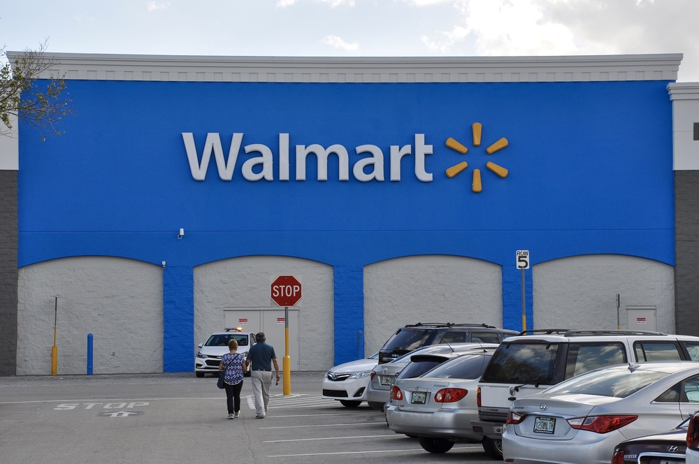 Wal-Mart reaches deal with Visa to end Canada credit card ban